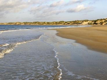 featured-Peponi-Lamu_Main-beach